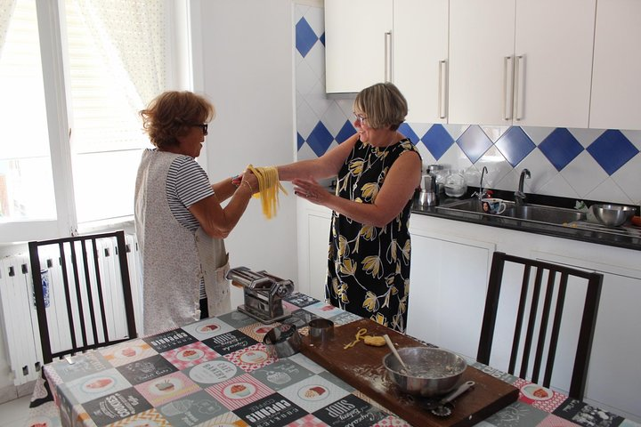 Private and exclusive cooking lesson with grandma