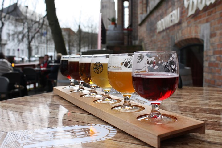Private Tour of Brussel's local beer & chocolate culture