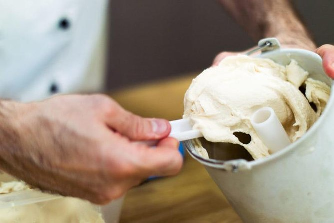 Tuscany: Ice Cream Cooking Class in San Gimignano Winery