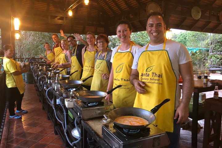 Half Day Lanta Thai Cookery School from Koh Lanta