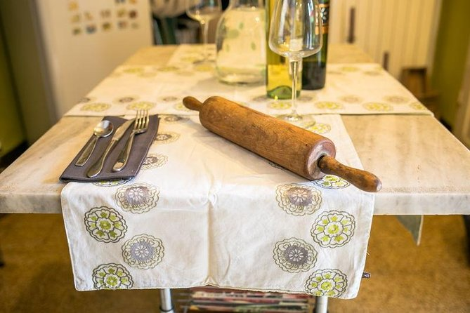 Private market tour, lunch or dinner and cooking demo in Vietri sul Mare