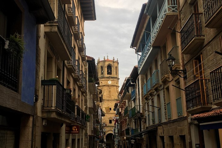 Private tour 3 beautifull Basque coast towns with pintxos tasting.