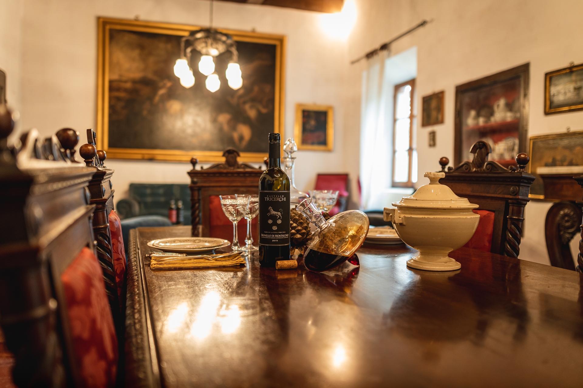 Montalcino: Brunello Wine Tasting & Lunch in a Tuscan Castle