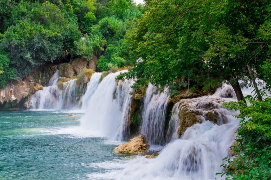 Visit major attractions