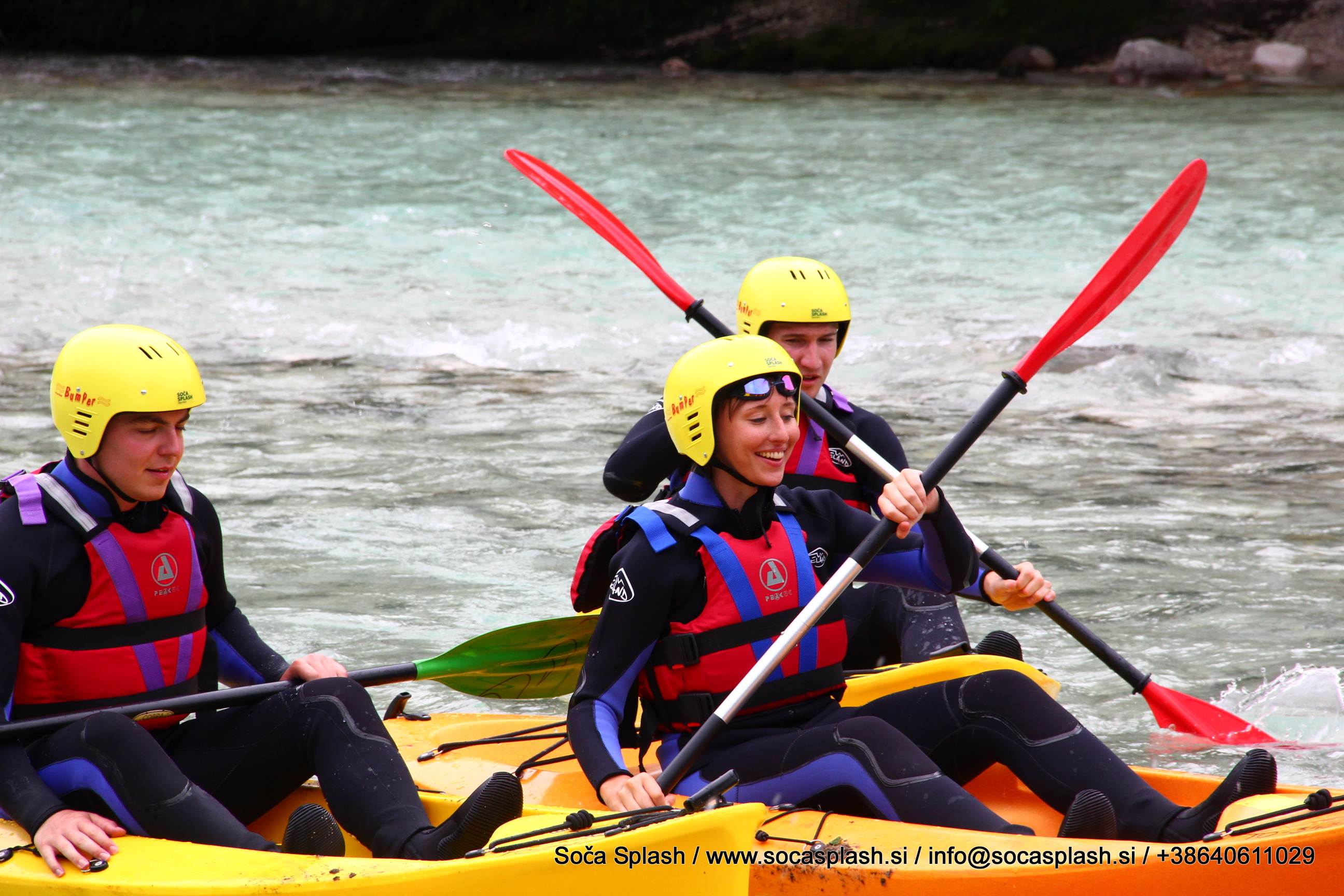 Learn the basics of kayaking from the tour guide.