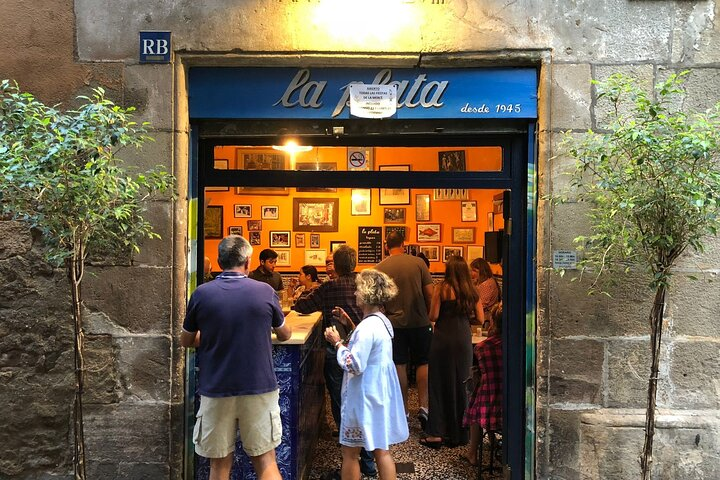 Local Barcelona Tapas Tour with Wine & Dinner