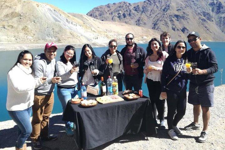 Private Day Trip to Cajón del Maipo & El Yeso Dam from Santiago Picnic Included