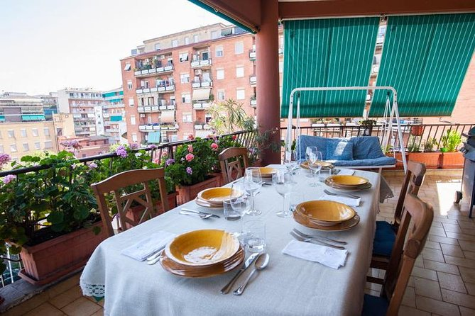 Private market tour, lunch or dinner and cooking demo in Taormina