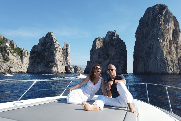 Amazing Capri Island with Light Lunch and Drinks
