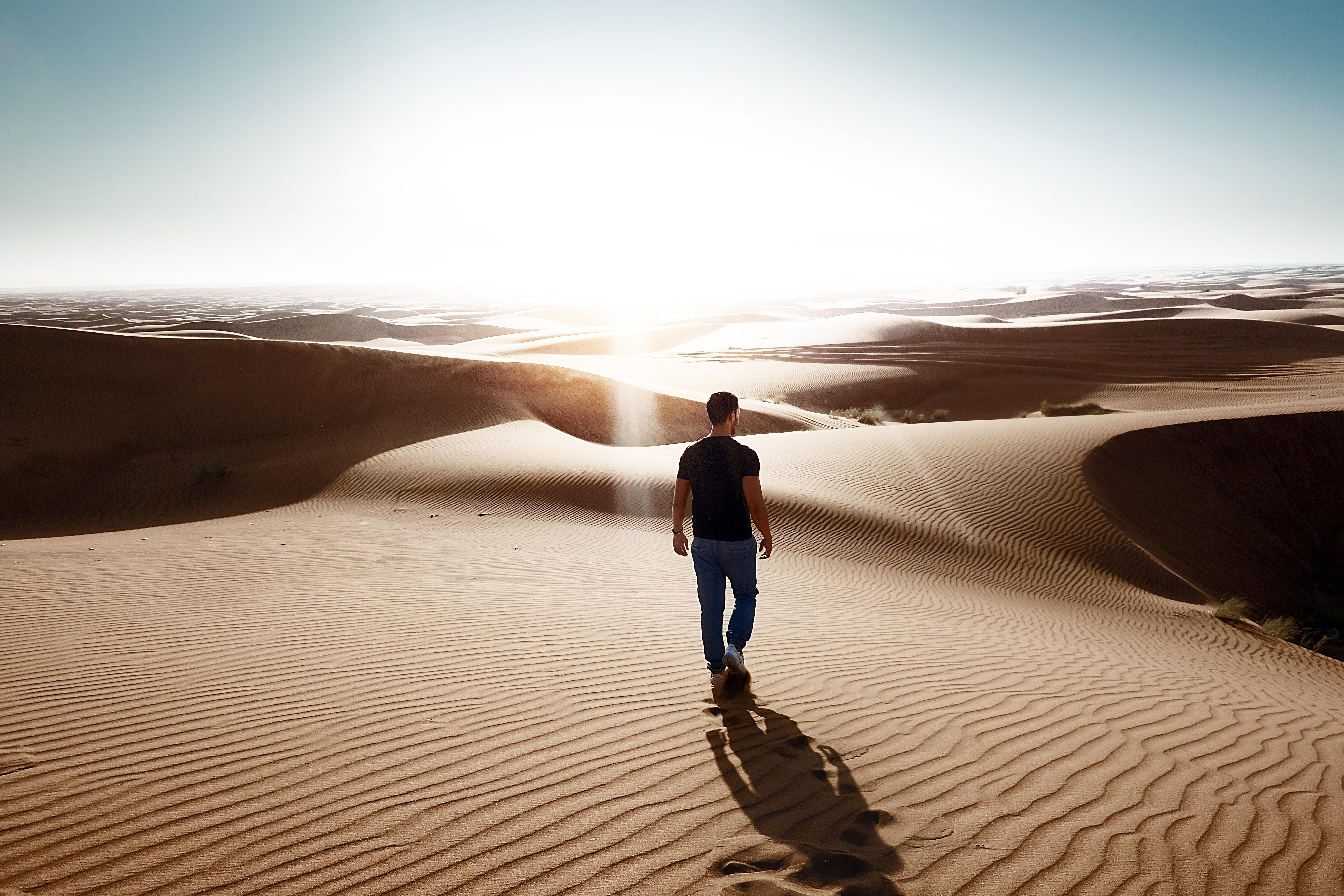 Private Romantic Dune Dinner in Abu Dhabi Desert
