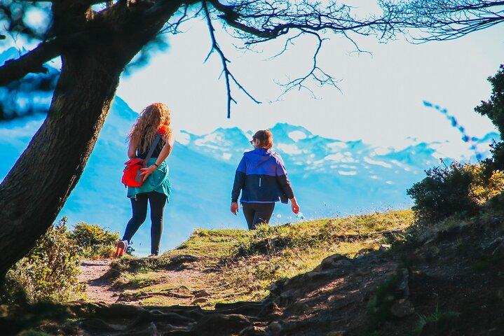 Laguna Esmeralda Hiking Tour with Snack from Ushuaia