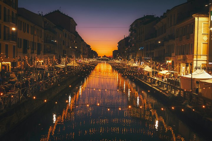 Best of Nightlife in Milan a private tour with a local