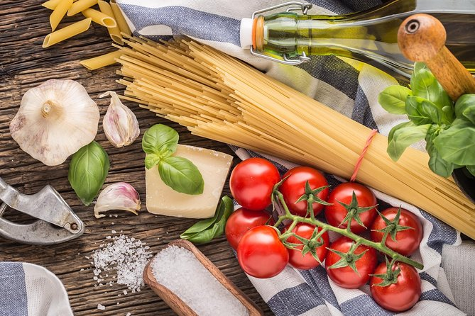 Name your recipe: food market tour and workshop with a Cesarina at Lake Garda