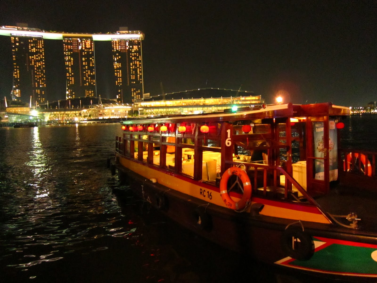 Boat ride on Singapore River