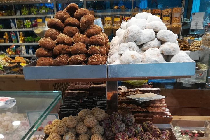 Christmas food and walking tour in Athens