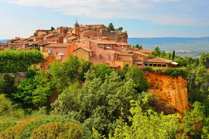 Provence Wineries and Luberon Villages Day Trip from Aix-en-Provence