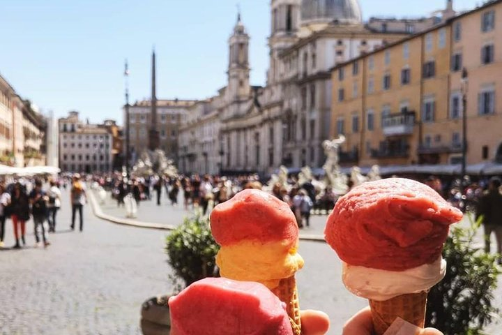 Rome: Where do Romans eat? Boutique Food&Wine Tour: Navona,Campo de' Fiori,Ghetto (8 pax)