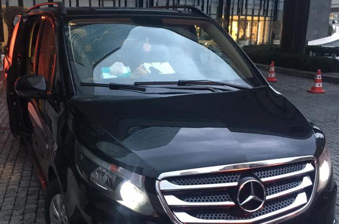 Transfer from the airport to the hotel in a comfortable vehicle.