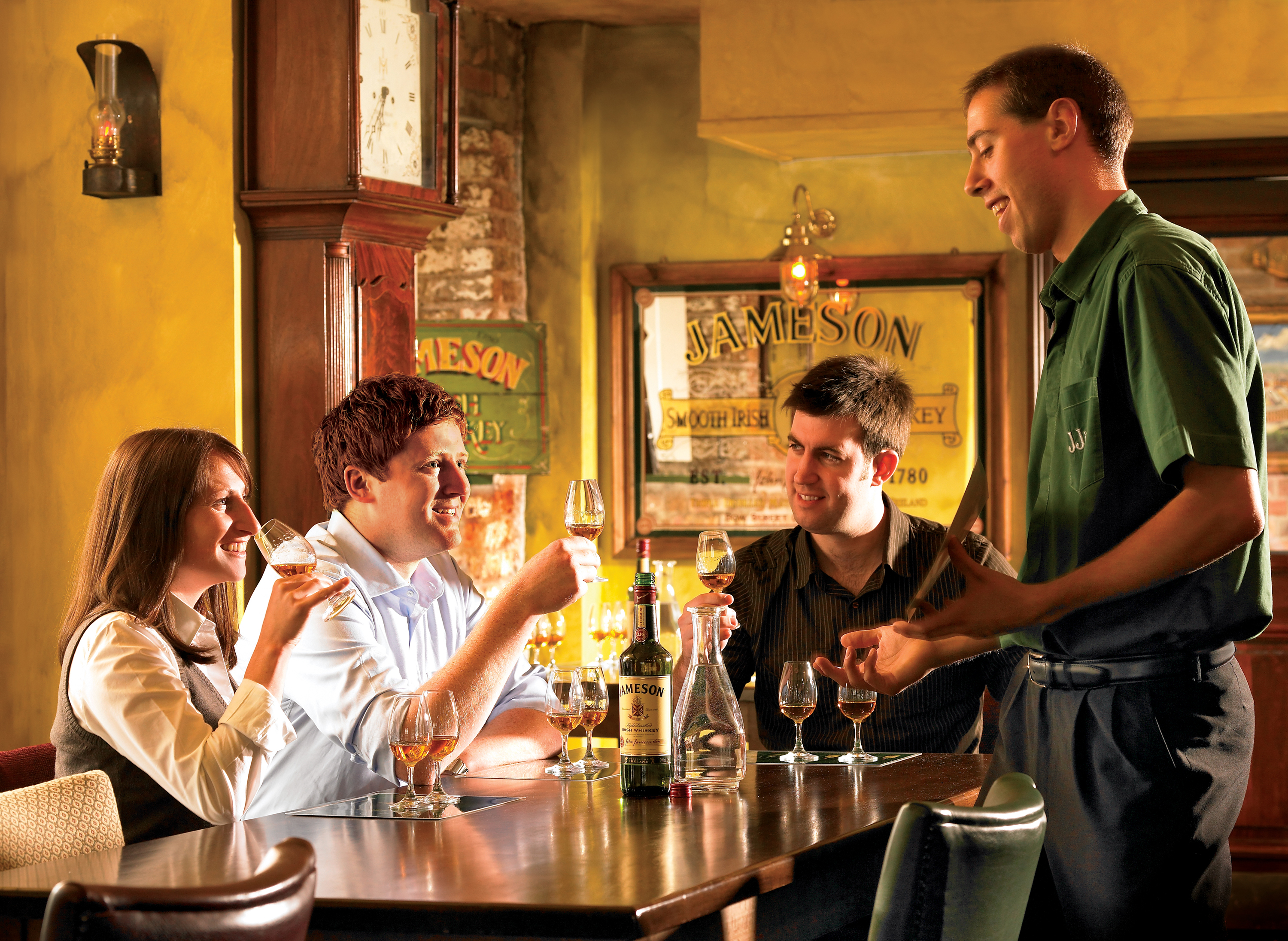 Irish whiskey tasting and food pairing trail. Galway City. Guided.