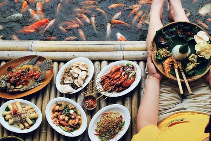 Balinese Seafood Cuisine Dinner and Massage Half Day Tour