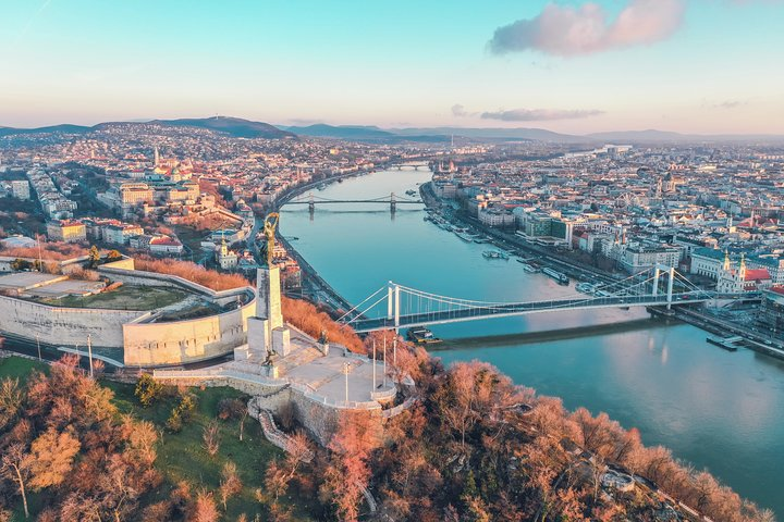 Private Tour in Budapest of the local food culture with a local