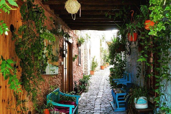 Wander through cosy alleys