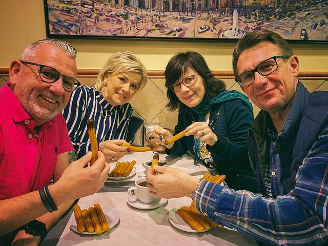 The most complete Food & Drink tasting tour of Barcelona in traditional taverns