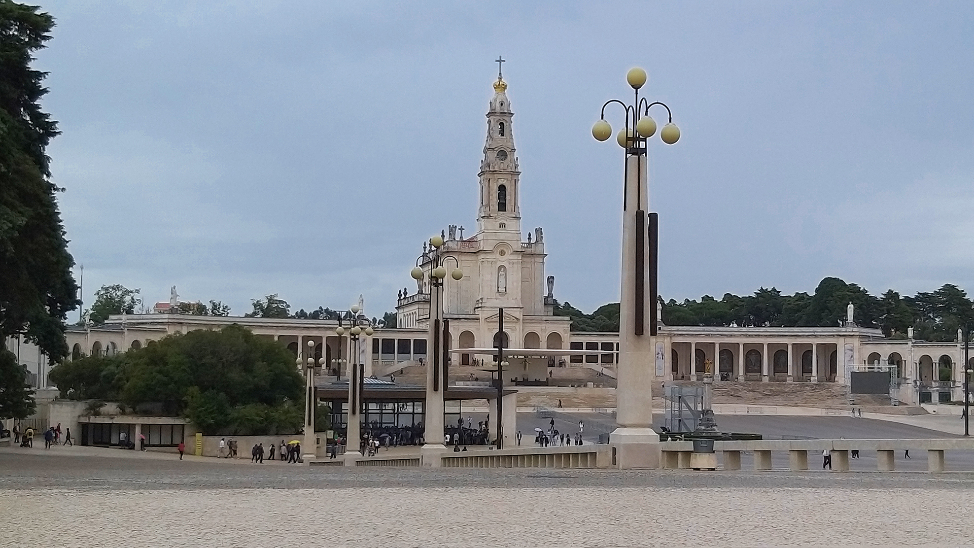 Private Shrine of Fátima and Aljustrel Religious Tour with Typical Lunch