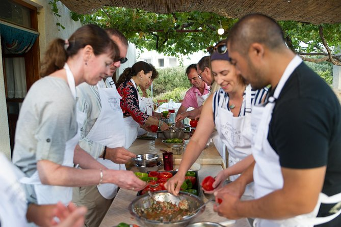 Cretan cuisine cooking class at a traditional farm incl. pickup/ drop-off