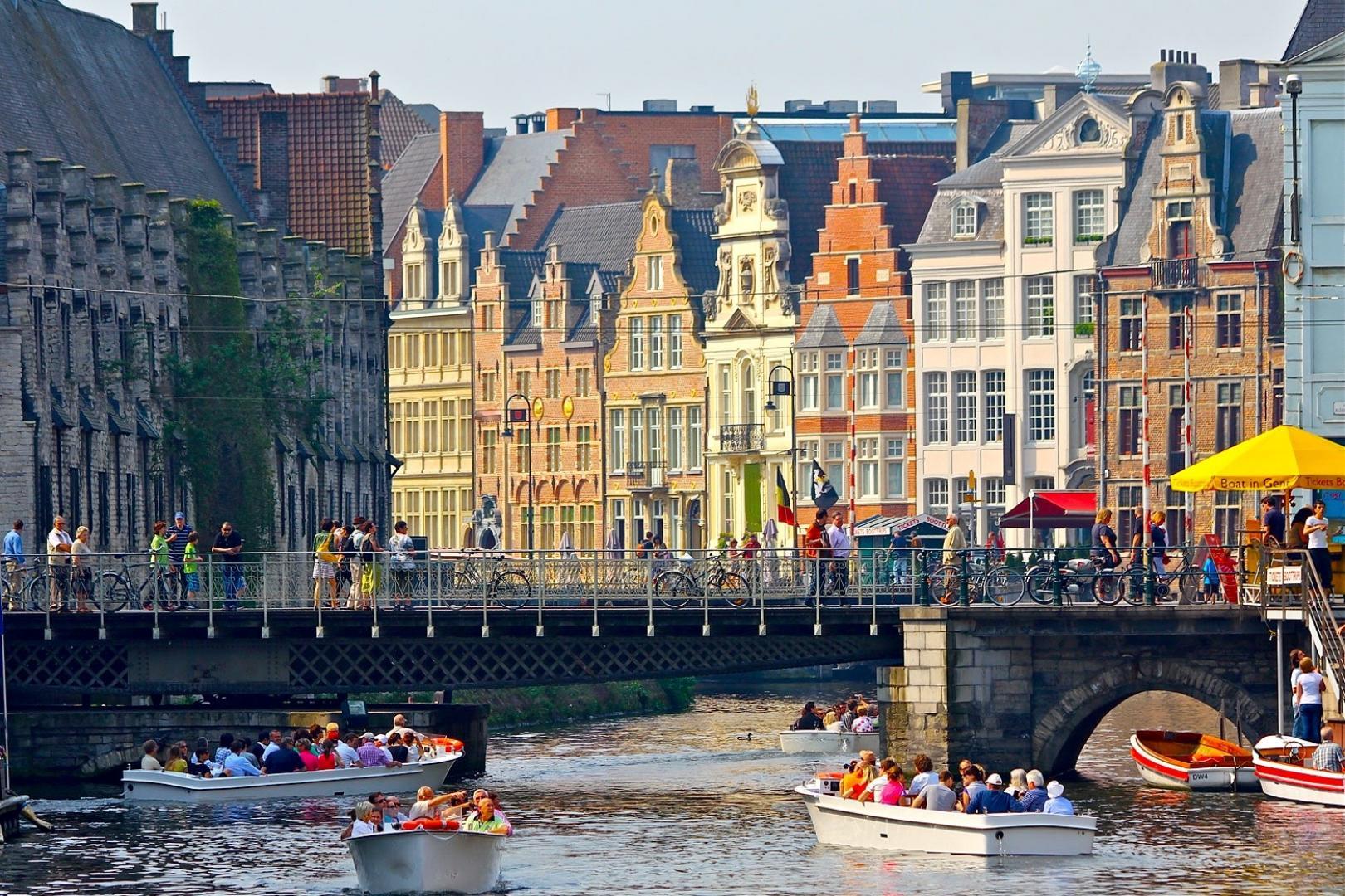 Paris: Private Brugge — Ghent Trip by Minivan, Beer Tasting, Hotel Pick-up