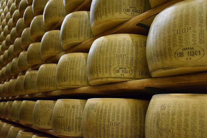 Taste of Emilia-Romagna: Parmigiano Reggiano, Lambrusco Wine and Balsamic Vinegar of Modena
