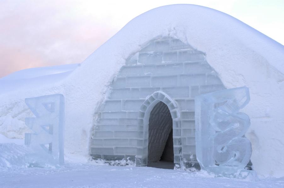 Lainio Snow village, dinner in ice restaurant
