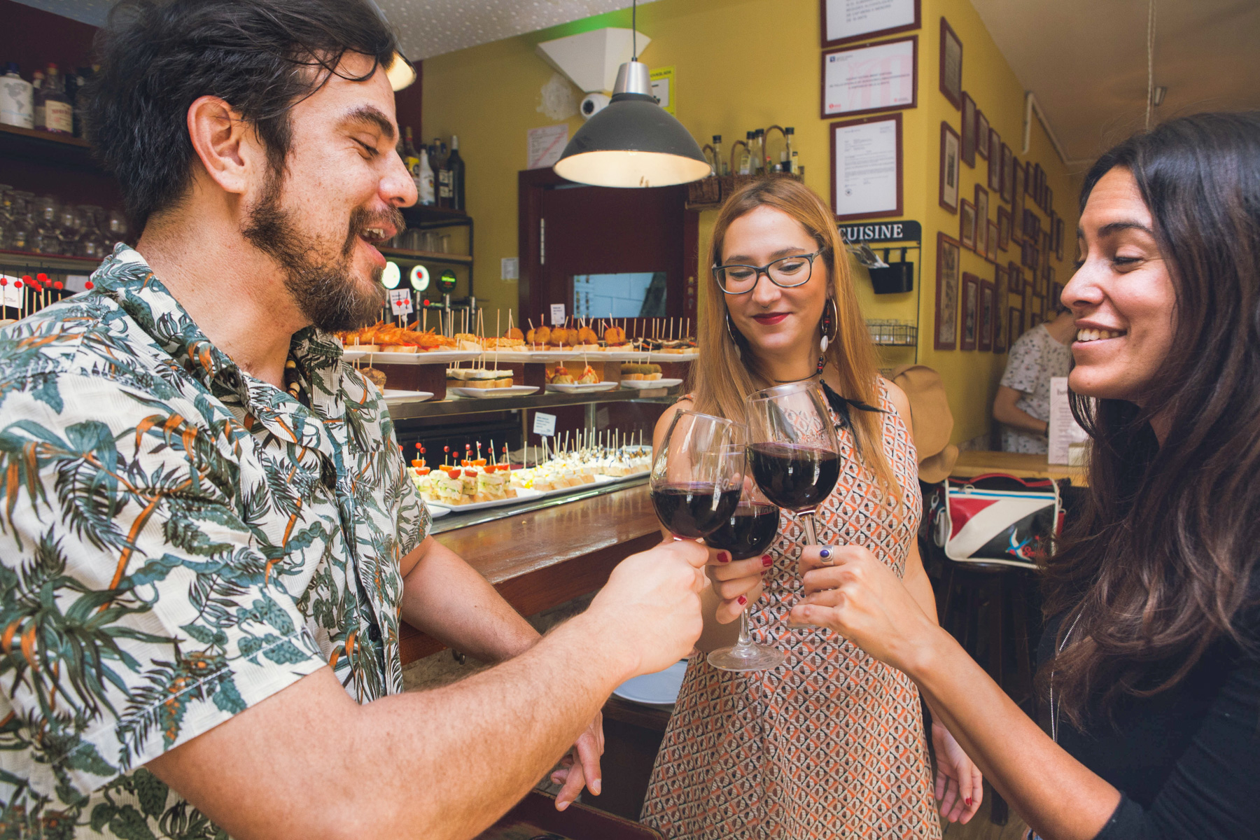 Tapas & Wine, Private Tour in Barcelona's traditional taverns