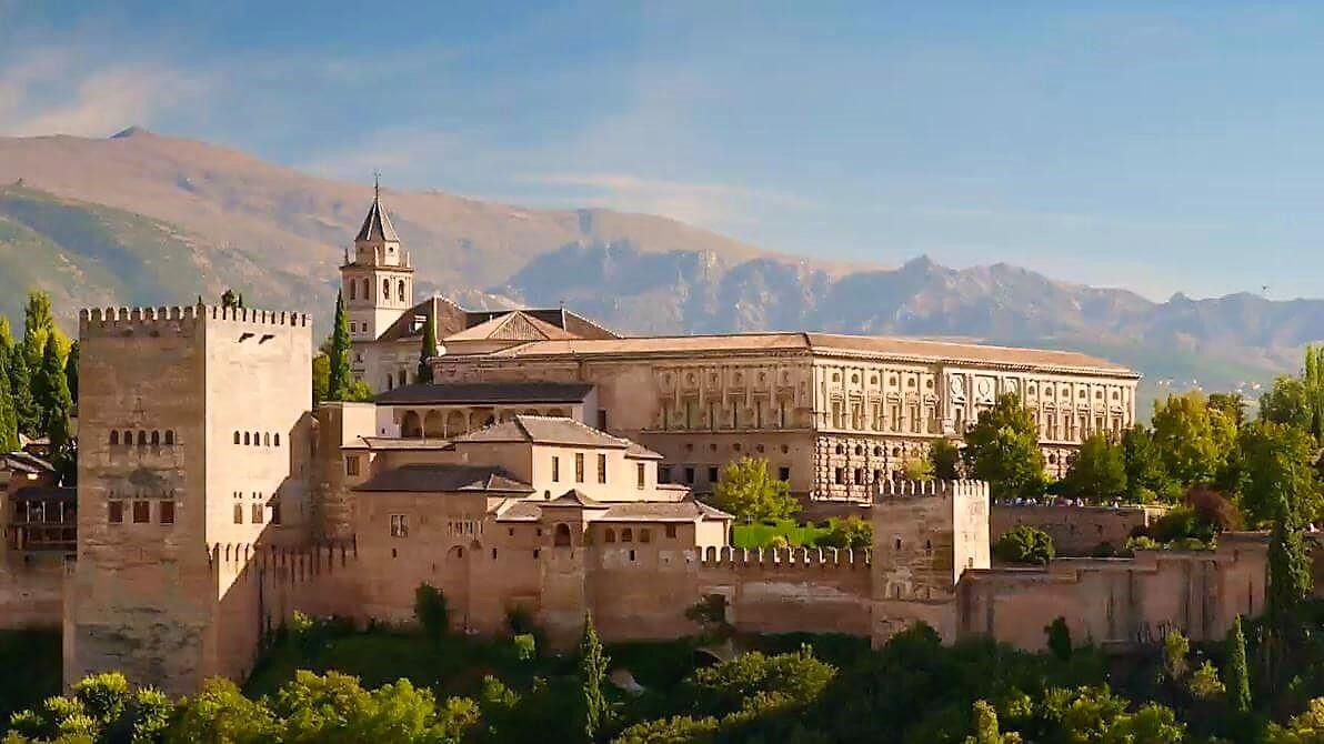 Witness the grandeur of Granada