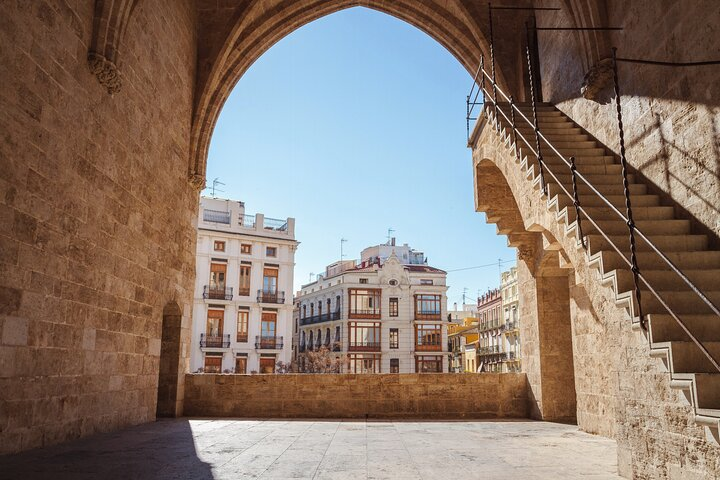 Private tour of the best of Valencia - Sightseeing, Food & Culture with a local