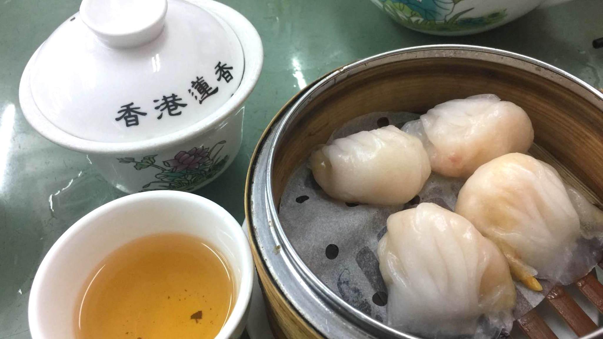 Small Group Tour: Hong Kong Island Food Tour
