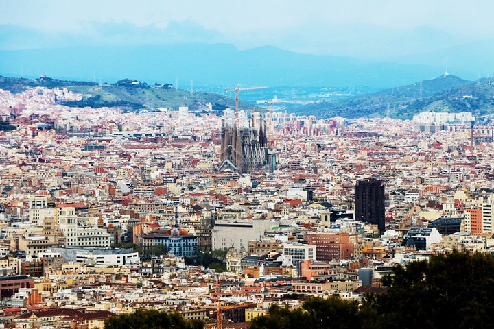 Private tour of the best of Barcelona - Sightseeing, Food & Culture with a local